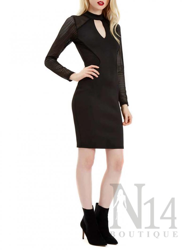 Черна рокля по тялото с мрежести ръкави