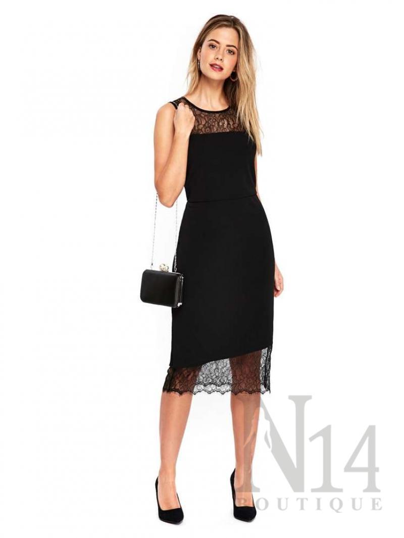 Черна рокля с детайли от красива дантела