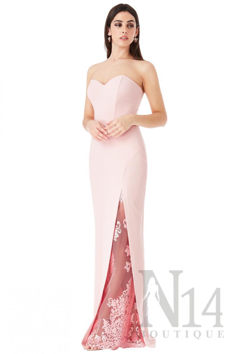 Дълга рокля с цепка и дантелен детайл