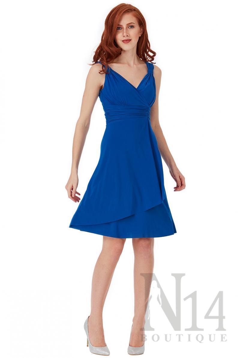 Разкроена рокля с V образно деколте в кралско синьо