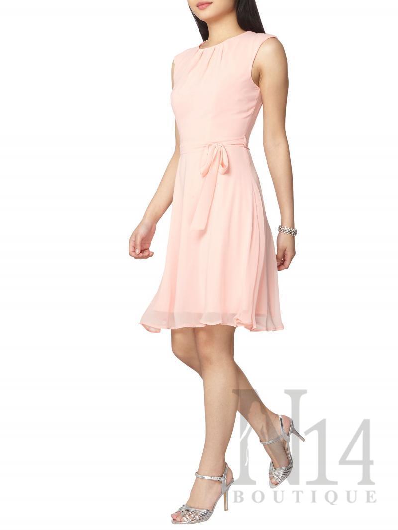 Ефирна рокля в нежно розово