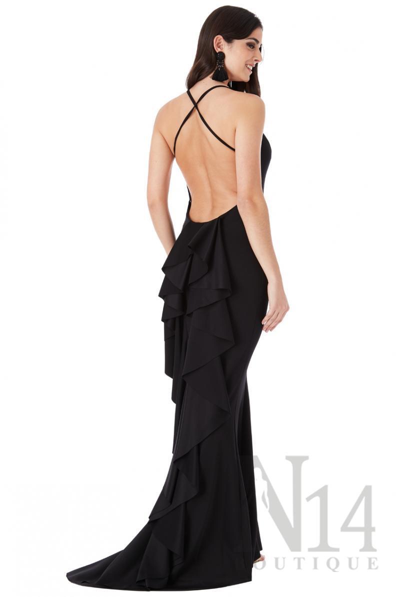 Дълга рокля с гол гръб и воали тип водопад