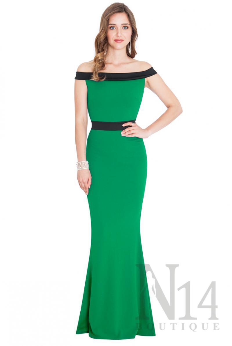 Дълга рокля в зелено с паднали рамена