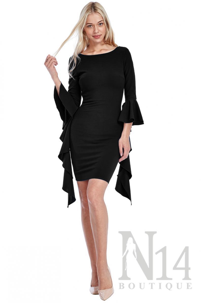 Къса черна рокля с  ръкави тип водопад