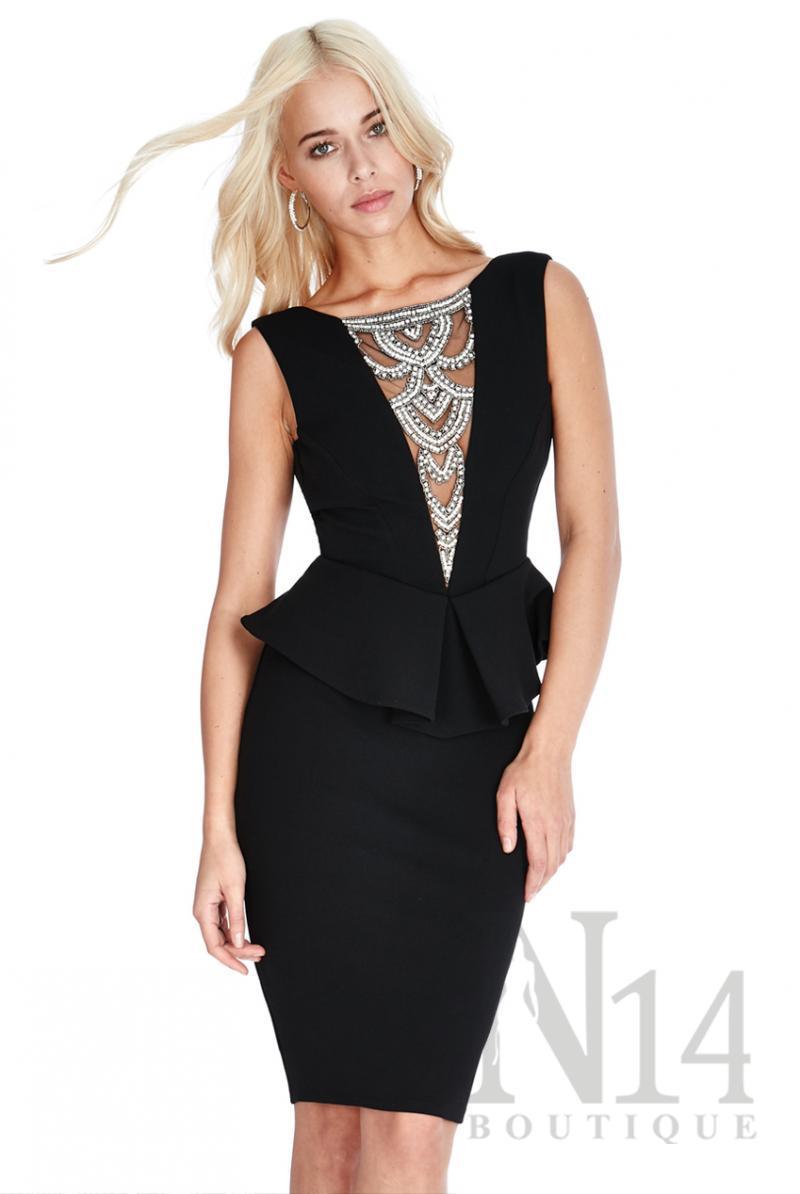 Къса черна рокля с гол гръб и камъни отпред